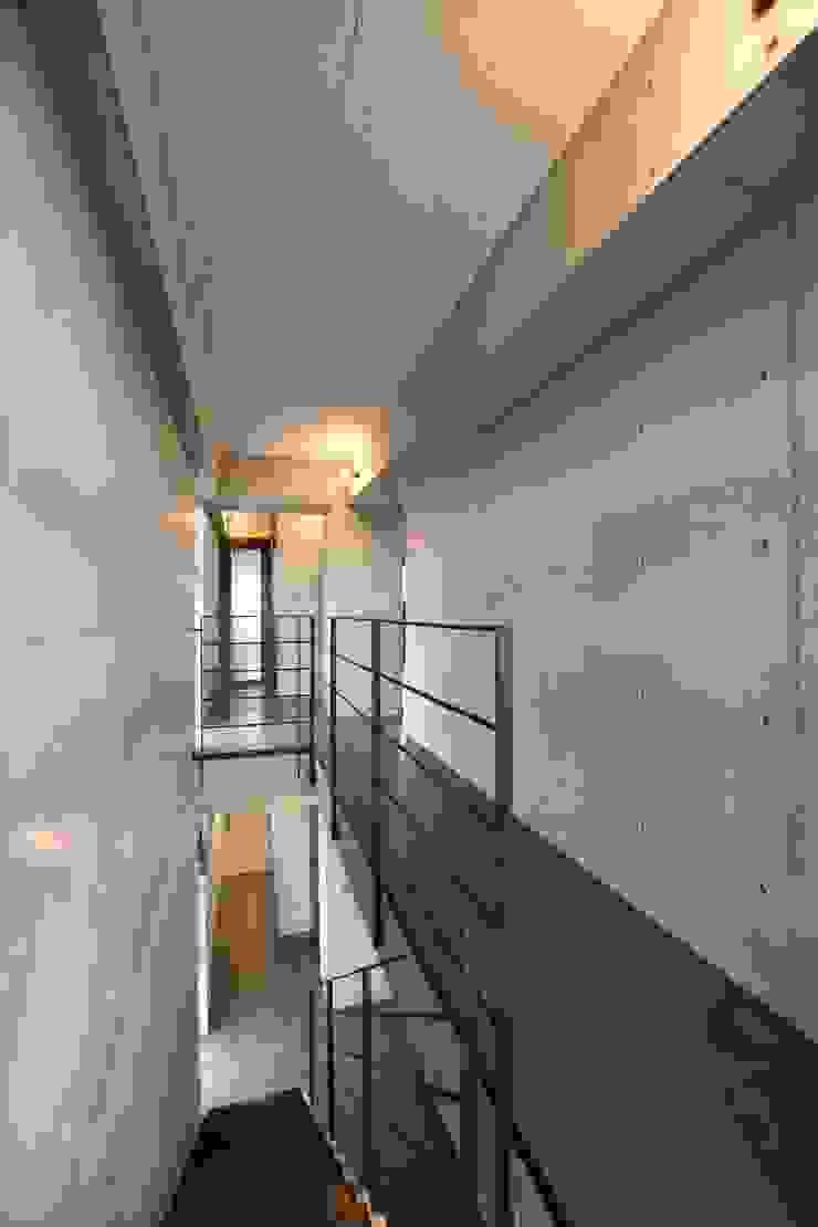 3階 階段 の Style Create モダン