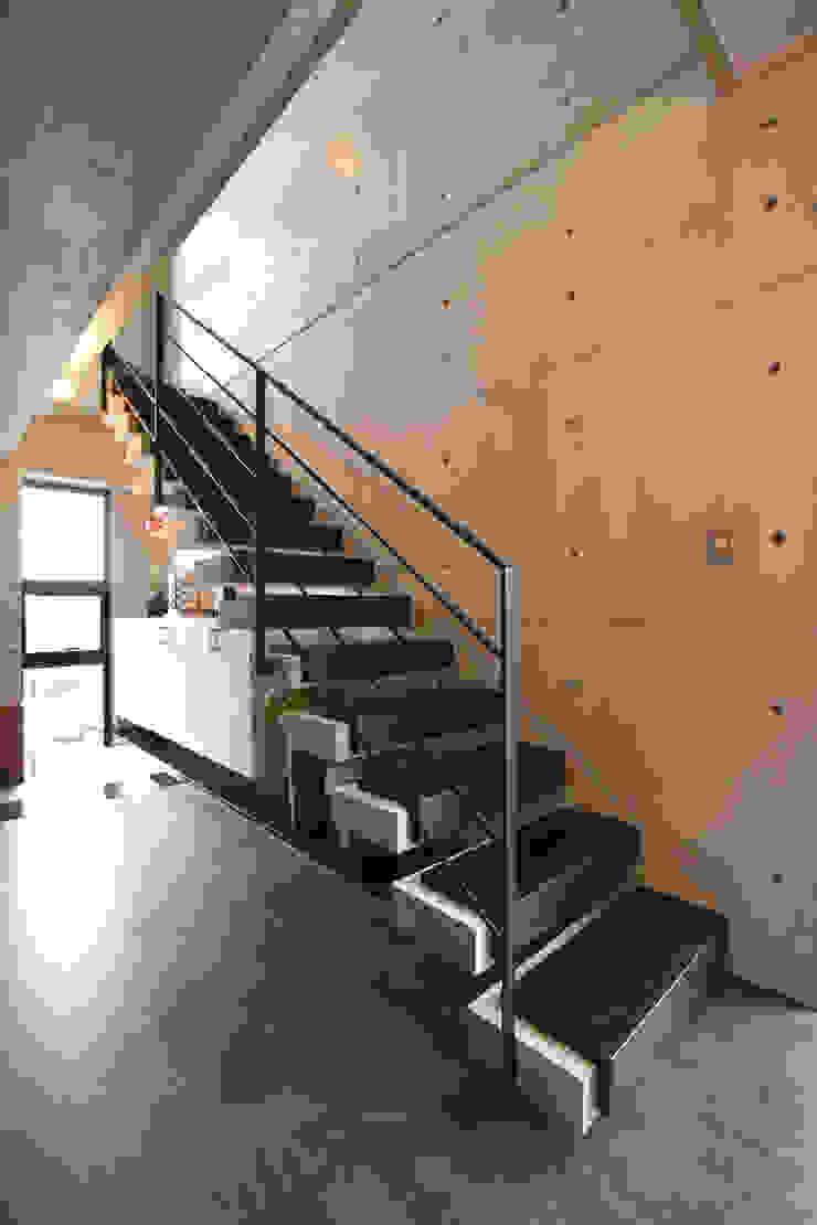 2階 玄関ホール モダンスタイルの 玄関&廊下&階段 の Style Create モダン