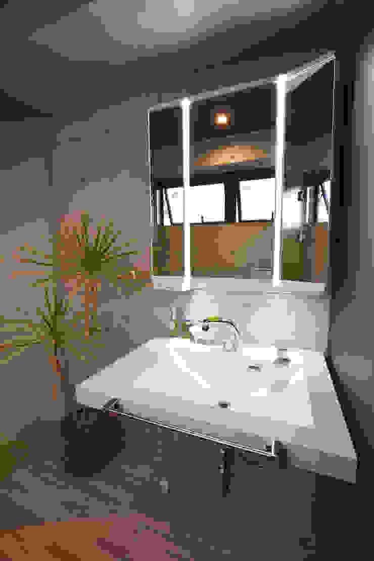 2階 洗面室: Style Createが手掛けた現代のです。,モダン