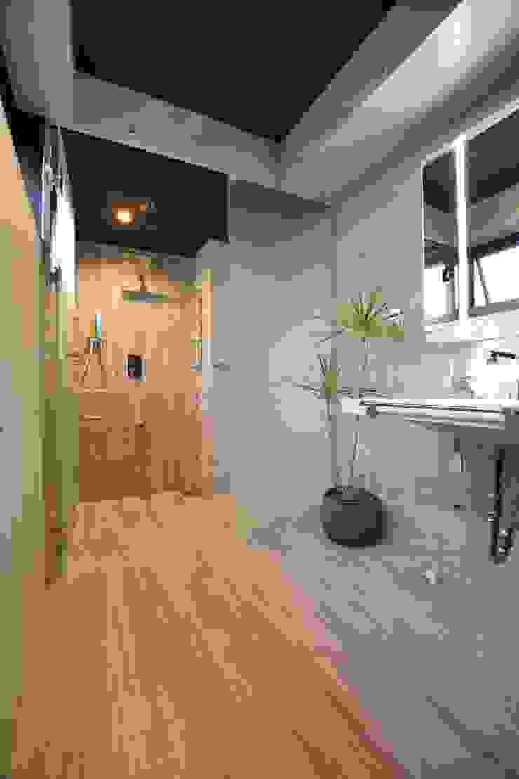 2階 洗面・脱衣室、浴室: Style Createが手掛けた現代のです。,モダン
