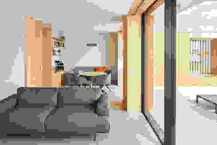 Atelier d'Arquitetura Lopes da Costa Soggiorno moderno