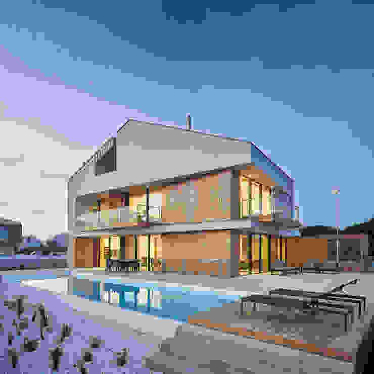 Atelier d'Arquitetura Lopes da Costa Piscina moderna