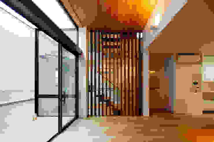 設計事務所アーキプレイス Livings de estilo moderno Compuestos de madera y plástico Acabado en madera