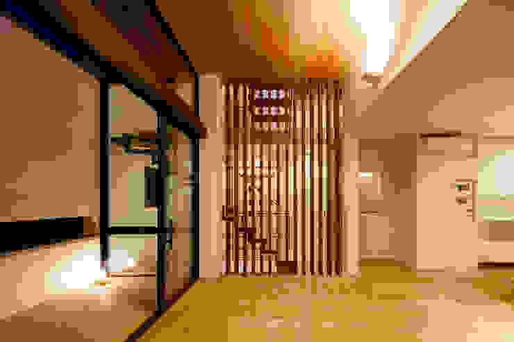 設計事務所アーキプレイス Livings de estilo moderno Madera Marrón