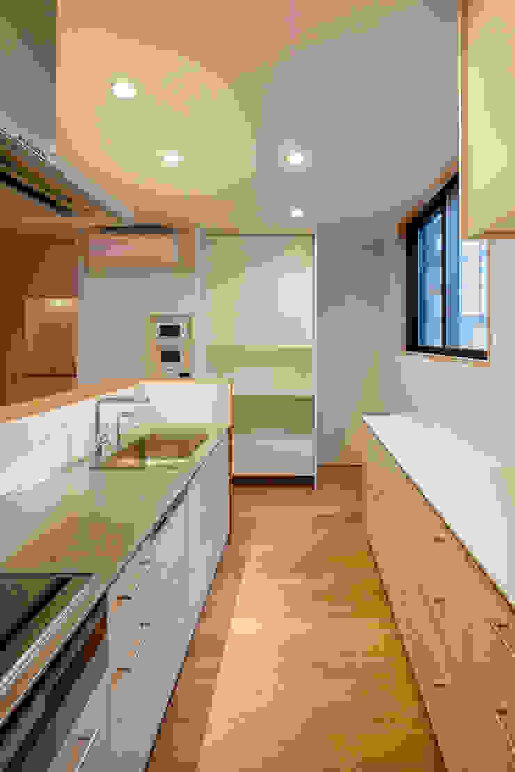 設計事務所アーキプレイス Cocinas equipadas Compuestos de madera y plástico Beige