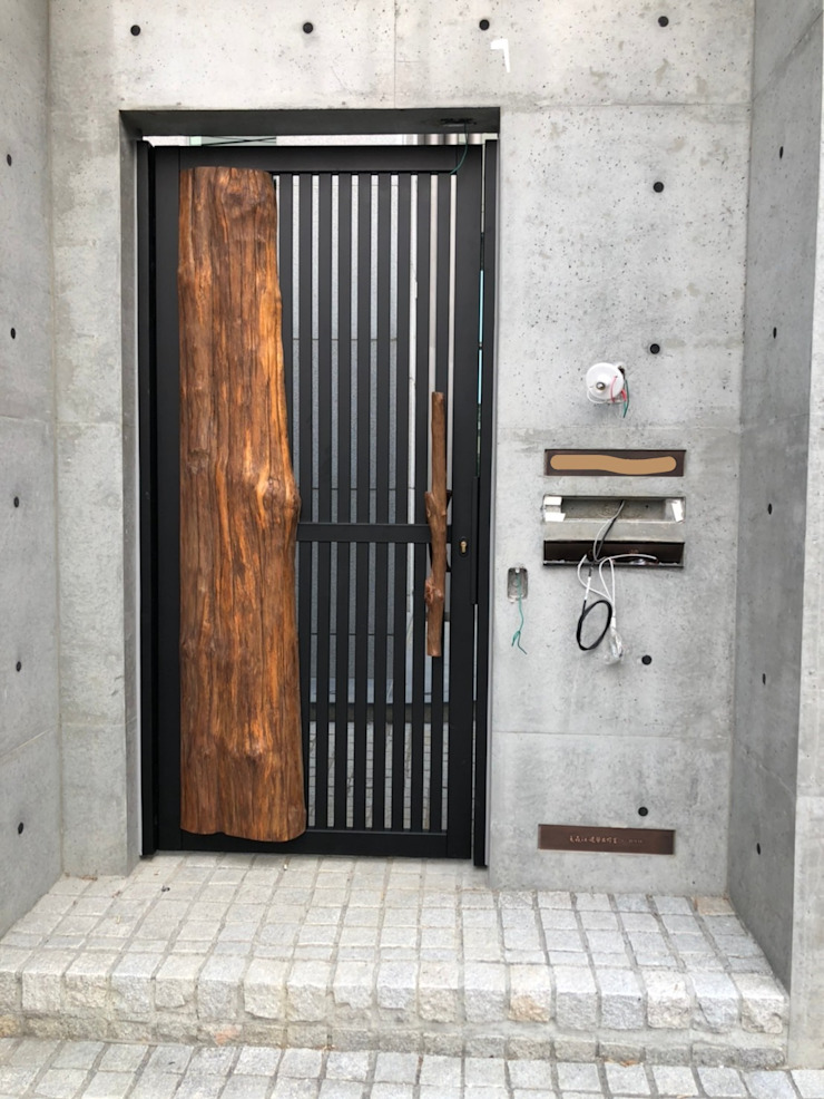 院子小門-全訂製商品 謝木木工作室 Windows & doors Doors Wood Wood effect