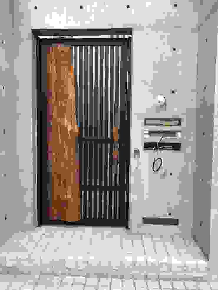 謝木木工作室 Puertas y ventanasPuertas Madera Acabado en madera