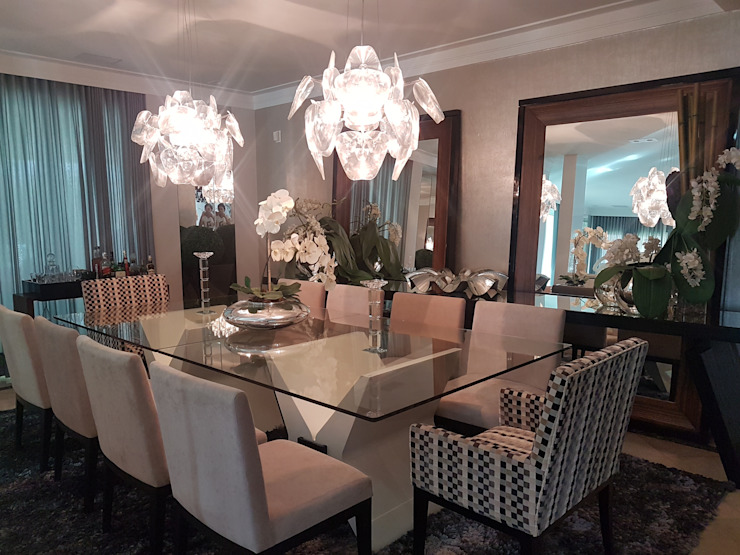 Sala de jantar elegante Salas de jantar modernas por Aadna.Design Moderno