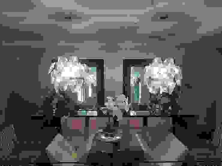 Outro ângulo da sala de jantar Salas de jantar modernas por Aadna.Design Moderno