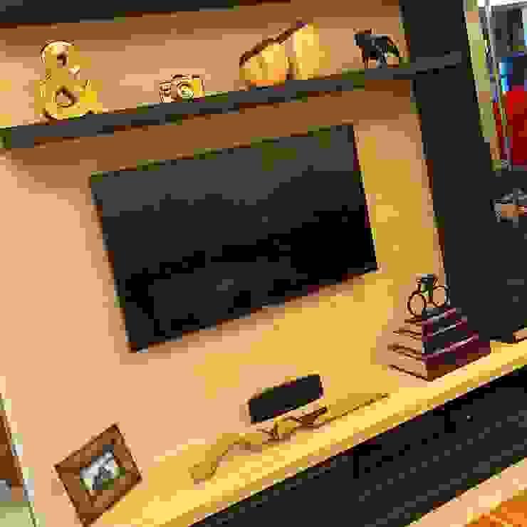 Detalhes da sala de TV Aadna.Design Salas de multimédiaAcessórios e decoração