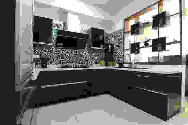 7 Modern kitchen by Magnon India Modern