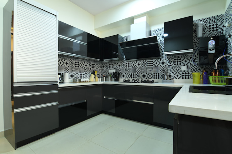 8 by Magnon India Modern
