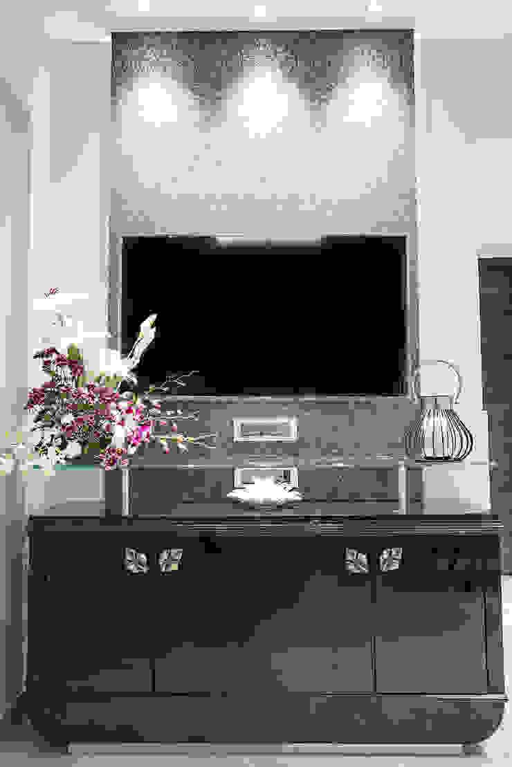 Mansi desai Dining roomCrockery & glassware Kayu Black