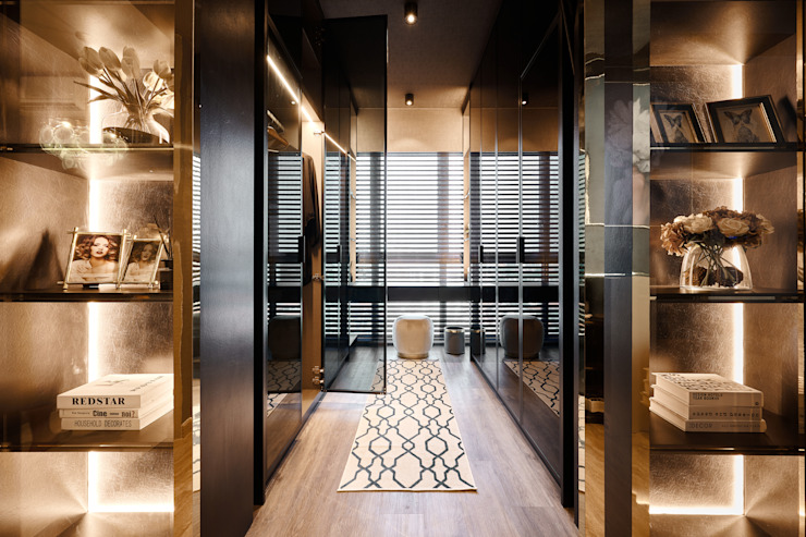 Mr Shopper Studio Pte Ltd Tropical style dressing room Silver/Gold Metallic/Silver