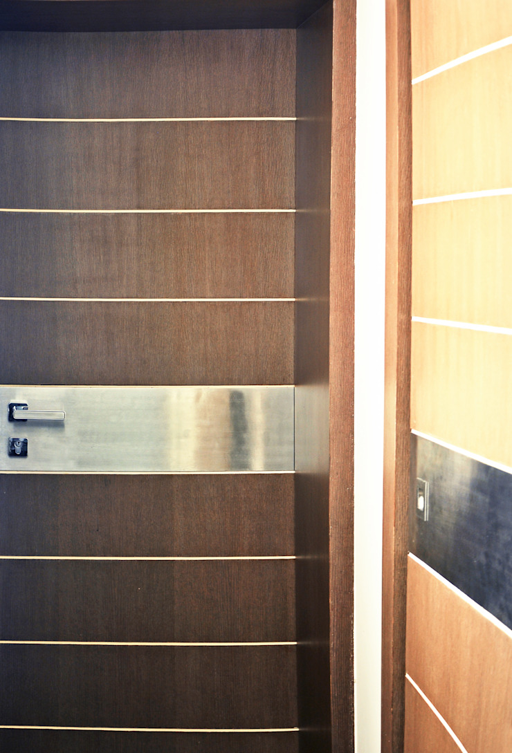 Minimalist style doors by Dhruva Samal & Associates Minimalist