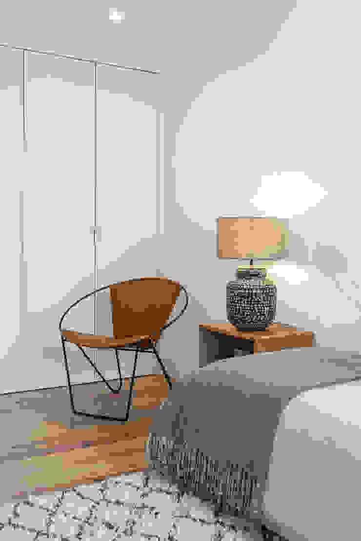 Hoost - Home Staging BedroomBedside tables