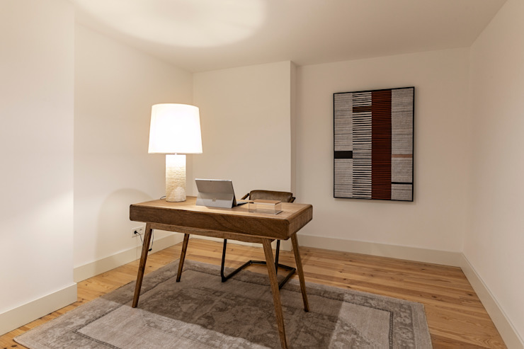 Hoost - Home Staging Study/officeDesks