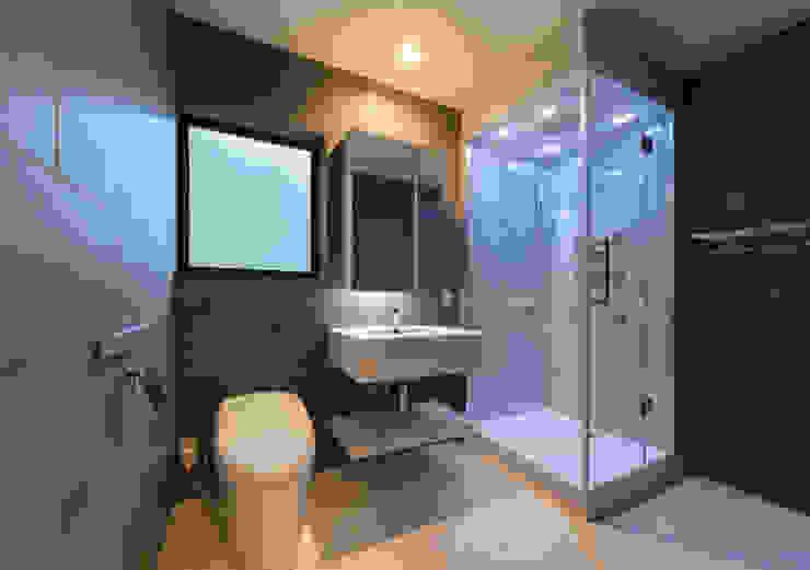 環アソシエイツ・高岸設計室 Salle de bain asiatique