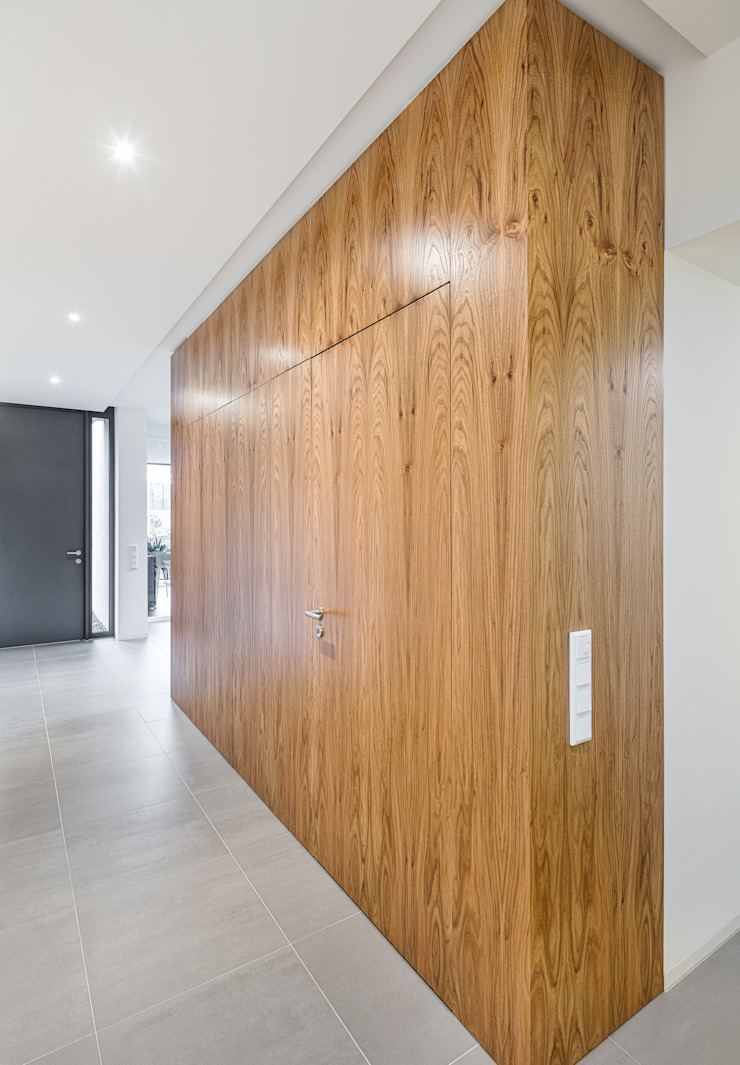 Kubus im Eingangsbereich: modern  von ZHAC / Zweering Helmus Architektur+Consulting,Modern Holz Holznachbildung