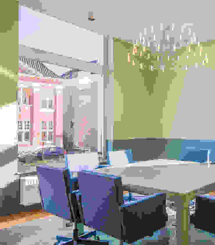 ÈMCÉ interior architecture Offices & stores Green