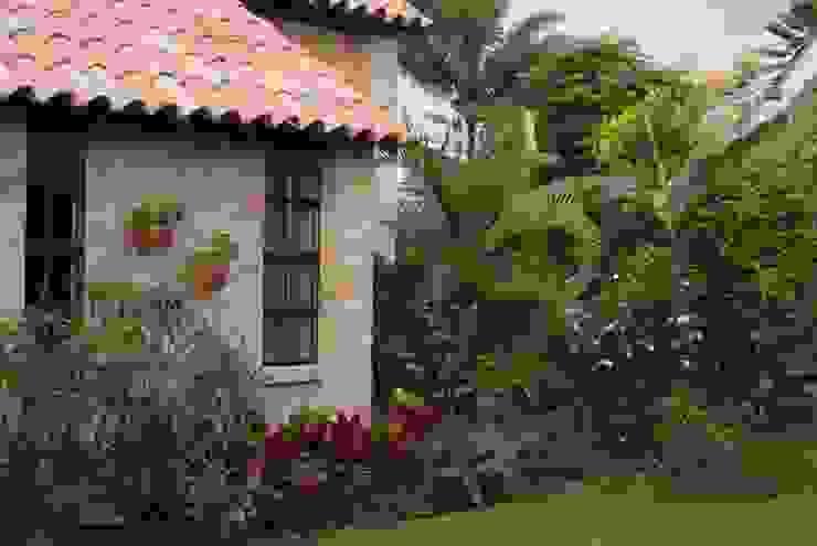 Casa de descanso en La Mesa. Cundinamarca Diego De Castro Korgi. Arquitectura y Construcción Casas campestres
