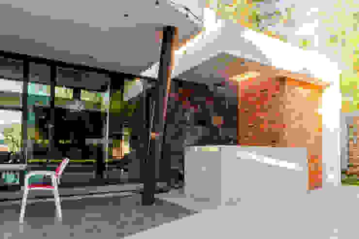 Asador Balcones y terrazas modernos de GRUPO VOLTA Moderno