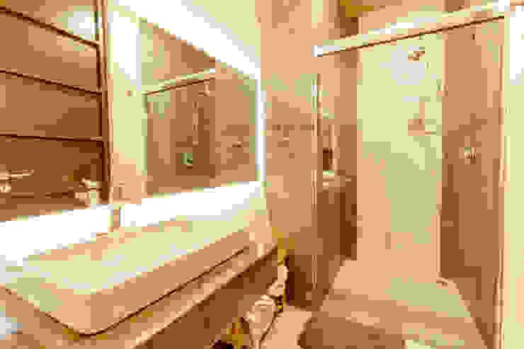 Baño de albercas. Baños modernos de GRUPO VOLTA Moderno