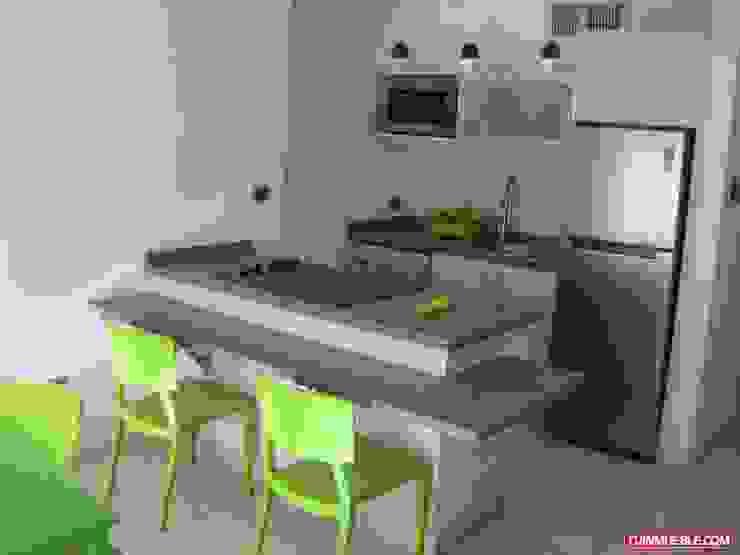 Cocina Remodelada Inversiones Su Paraiso Cocinas de estilo minimalista Granito Gris