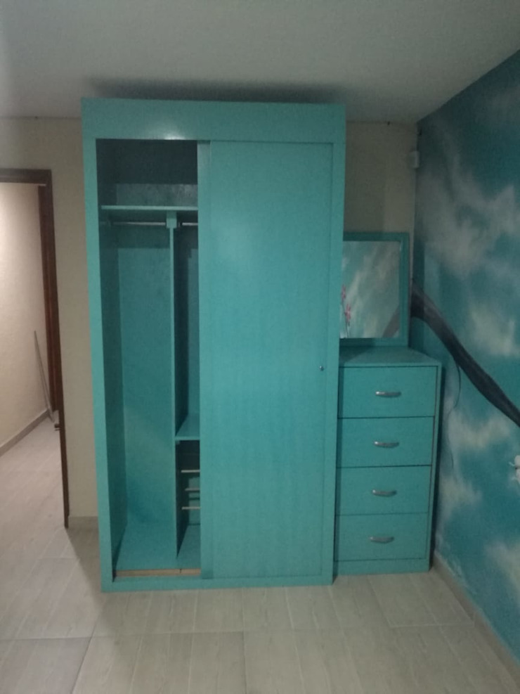 Pablo´S BedroomWardrobes & closets Solid Wood Blue