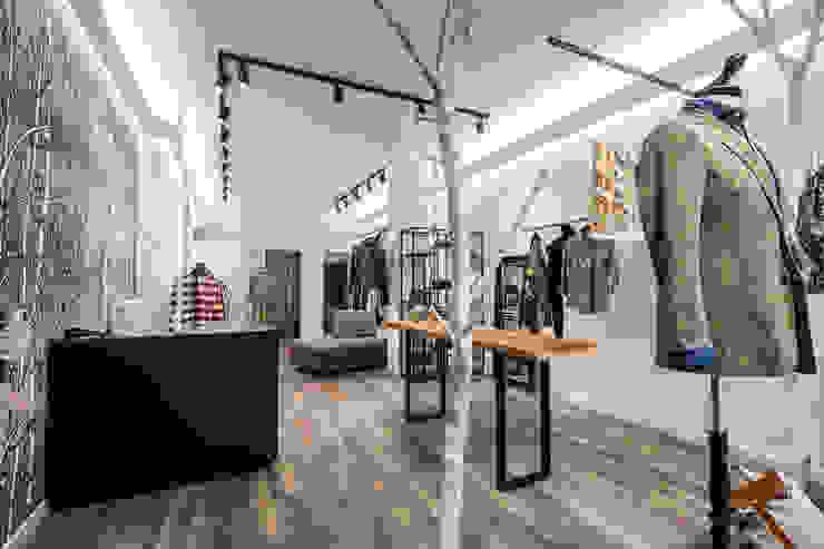 Roberto Pedi Fotografo Offices & stores