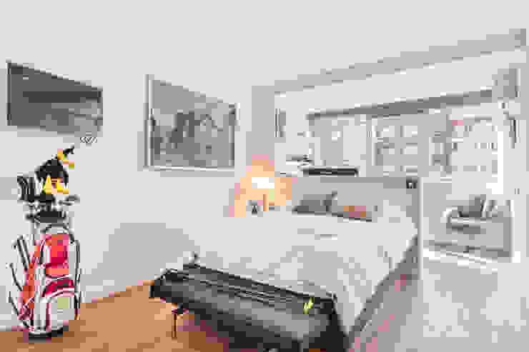 Reforma integral e interiorismo en Avenida de América (Madrid) Dormitorios de estilo moderno de ALTIA Moderno