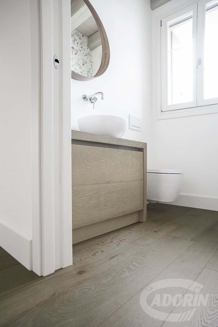 Quercus Cadorin Group Srl - Italian craftsmanship production Wood flooring and Coverings Modern Bathroom