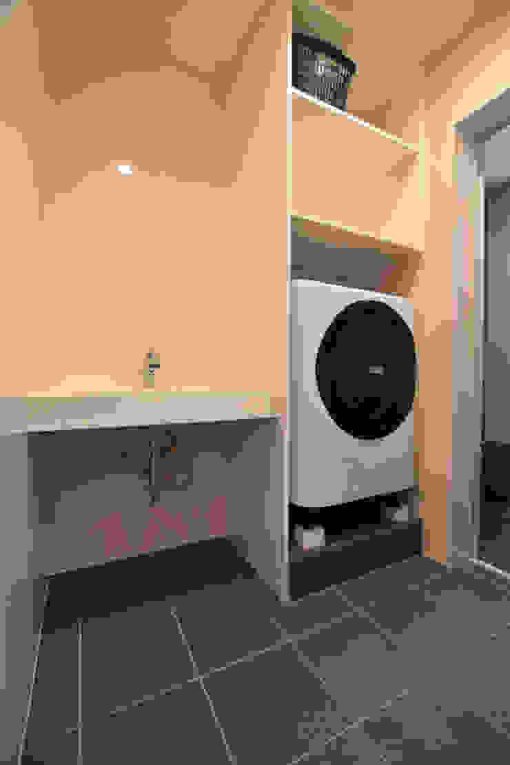 洗面脱衣室: Style Createが手掛けたアジア人です。,和風