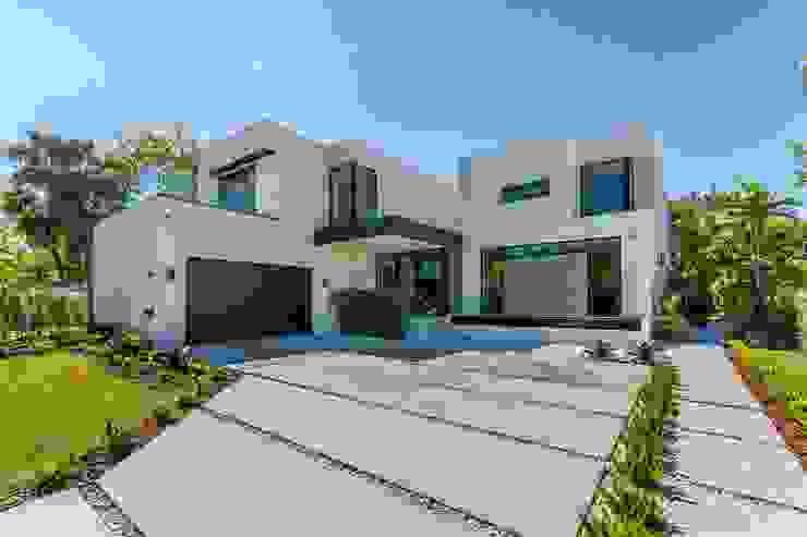 White House by Abodde Housing Modern Concrete