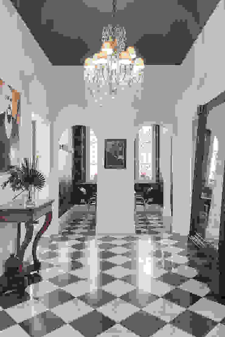 MODO Architettura Nowoczesny korytarz, przedpokój i schody