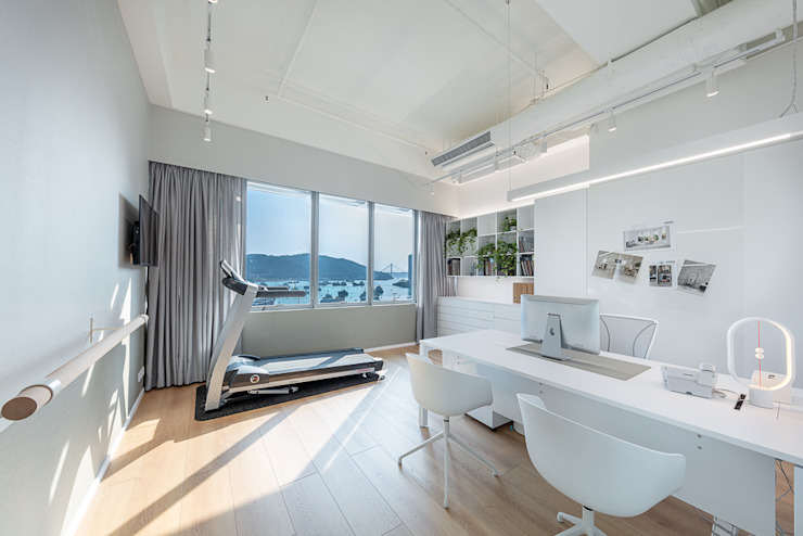 An All-White Minimalism—Hong Kong Minimalist offices & stores by Grande Interior Design Minimalist