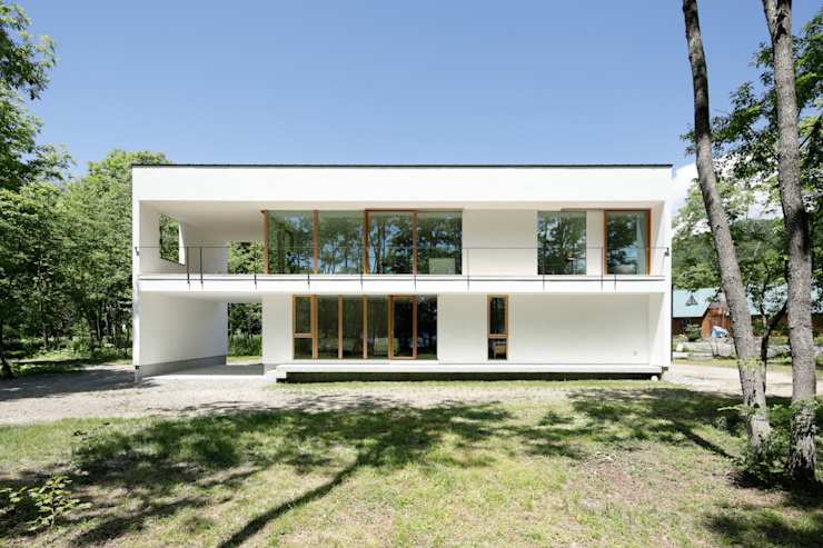atelier137 ARCHITECTURAL DESIGN OFFICE Casas de madera Vidrio Blanco