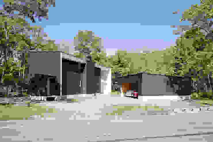 atelier137 ARCHITECTURAL DESIGN OFFICE Casas de estilo escandinavo Hierro/Acero Negro