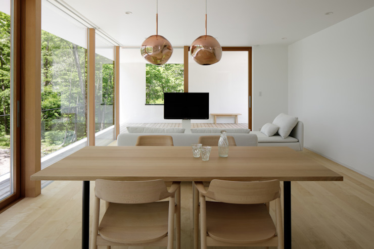 atelier137 ARCHITECTURAL DESIGN OFFICE Salas de estilo escandinavo Madera Blanco