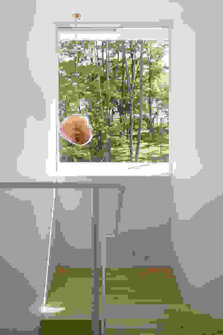 atelier137 ARCHITECTURAL DESIGN OFFICE Escaleras Acabado en madera