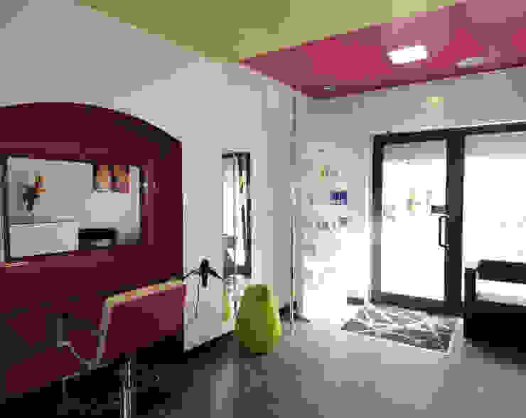 Ingresso Negozi & Locali commerciali moderni di viemme61 Moderno