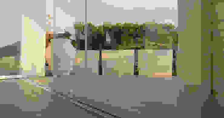 Vetrate panoramiche scorrevoli New Time S.p.A. Balcone, Veranda & Terrazza in stile moderno Vetro