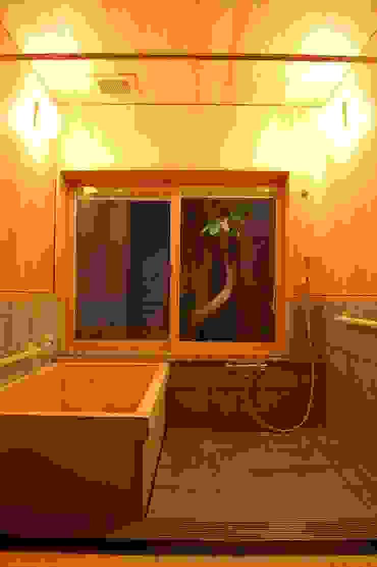 Asian style bathroom by 田村建築設計工房 Asian
