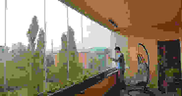 Vetrate scorrevoli panoramiche New Time S.p.A. Balcone, Veranda & Terrazza in stile moderno Vetro