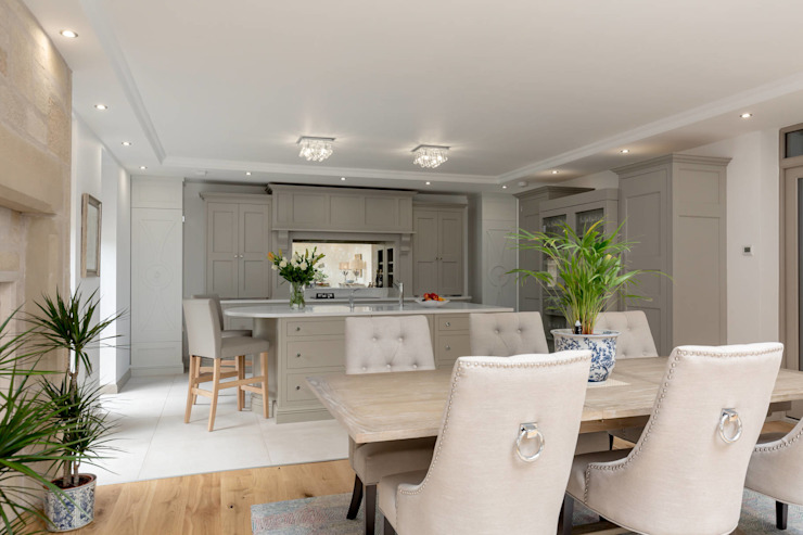 Kitchen diner in grey by Christopher Howard Classic style dining room by Christopher Howard Classic Wood Wood effect