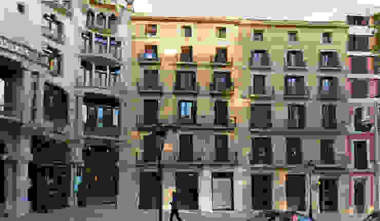FAÇANA RENOVADA de FARRIOL i COL.LABORADORS arquitectes Moderno
