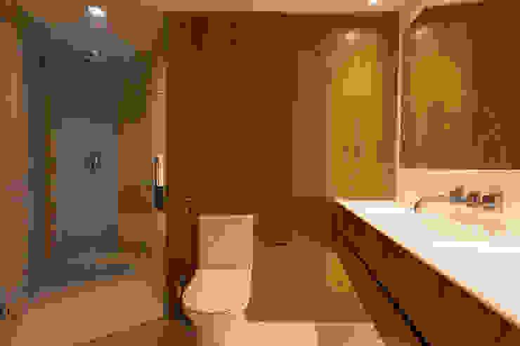 Baño_Apto. Morada das Torres do Sol Tea Arquitectos Baños de estilo moderno Madera Acabado en madera