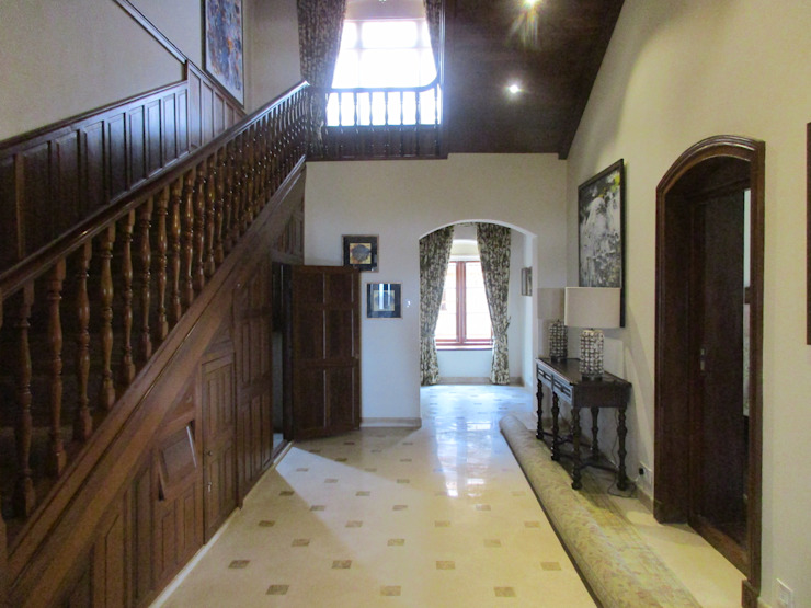 Timber Staircase Benny Kuriakose Colonial style corridor, hallway& stairs