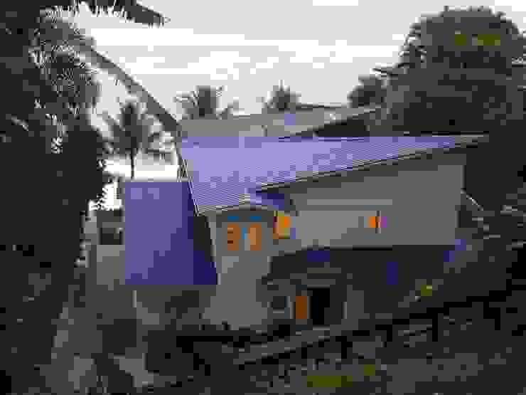 Fachada Casa de Praia por FERNANDA SALLES ARQUITETURA Moderno
