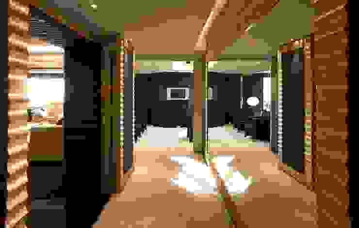 台中室內建築師|利程室內外裝飾 LICHENG Klassischer Flur, Diele & Treppenhaus